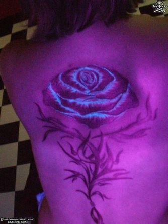 Ultraviolet Tattoos » UV-Light-Tattoo-Rose-im-Uv-Licht